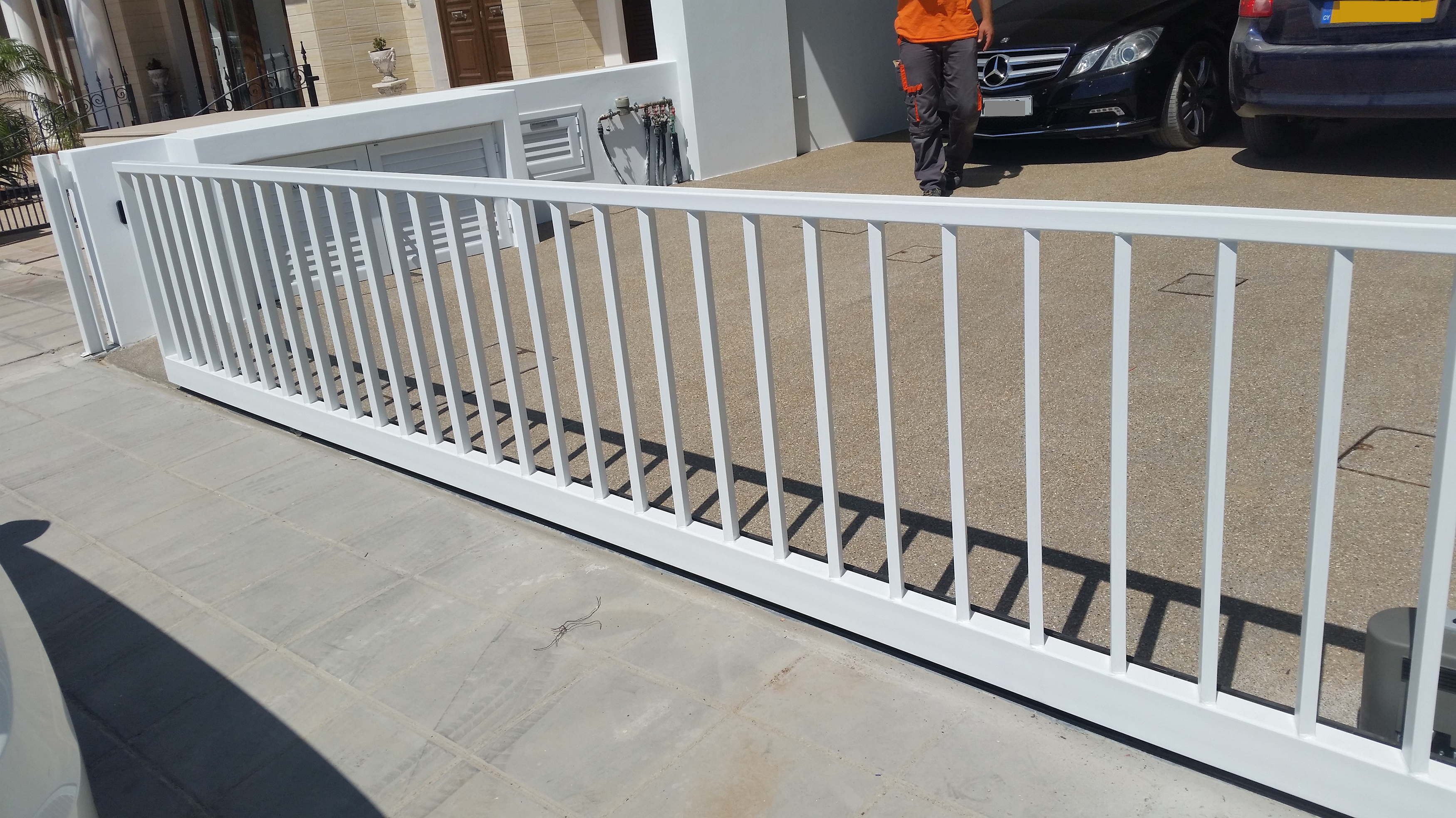 Somfy Sliding Gate In Action